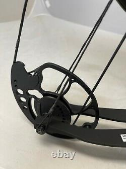 Bear Archery Salute Ready to Hunt Compound Bow Package 70# Mossy Oak Country