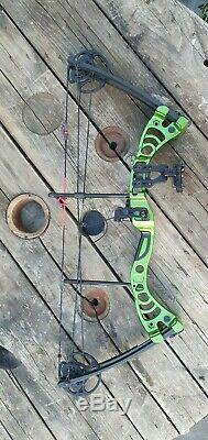 Compound Bow Green / Black Monster Powerful Adult Set Hunting Kit Right Handed