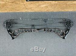 G5 Prime Black Series Black 5 RH 25½ to 31 Draw 50# to 60# Hunting Bow