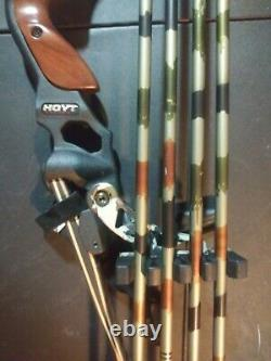 Hoyt Satori Recurve 17 flat black Riser LH 45# Medium camo Limbs 58 rdy 2 hunt