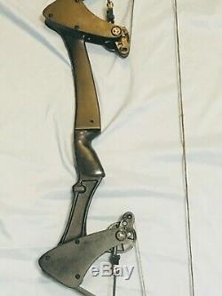 Hurry Black Oneida Eagle Bow Right 30-45-65 LB. 28-30 Med Excellent Hunt-Fish