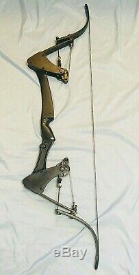 Ready To Go Black Oneida Eagle Bow Right 30-45-65 LB. 28-30 Med Excellent Hunt